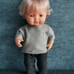 Olimi, komplet szara bluzka + grafitowe spodnie dresowe, dla lalki Miniland 38cm