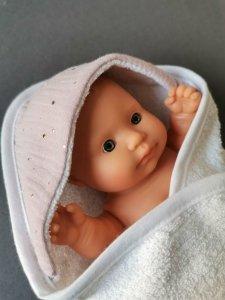 Olimi, okrycie kąpielowe dla lalki 21cm, różowe niebo