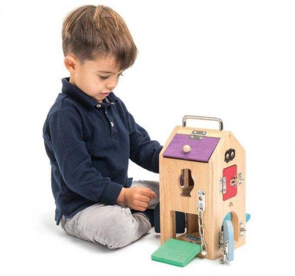 Tender Leaf Toys drewniany domek z zamkami, potworki