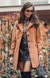 Elegancki płaszcz z wełną karmelowy Roco P018