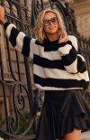 Oversizowy sweter w czarne paski S106-1