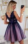Rozkloszowana sukienka z koronką granatowa Bicotone 2206-11 tył