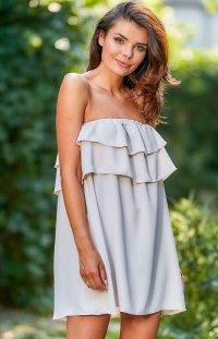 Oversizowa sukienka z falbaną beżowa A299