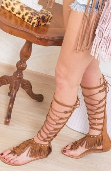 Karmelowe gladiatorki damskie