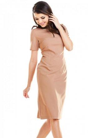 Dopasowana sukienka midi karmelowa A252