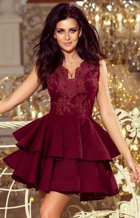 Bordowa sukienka z falbaną 200-8 Numoco Charlotte