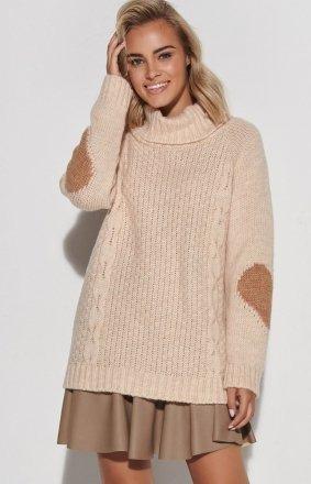 Oversizowy sweter z golfem S104