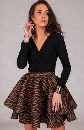Elegancka sukienka z podwójną falbaną 258