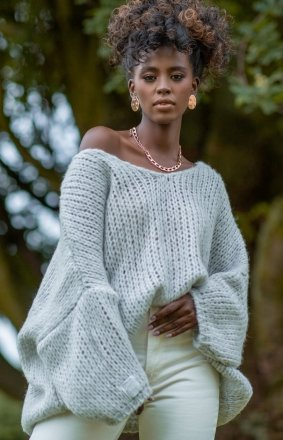 Oversizowy sweter damski szary F1256