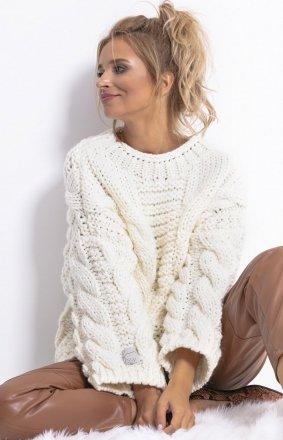 *Ciepły sweter z wełny i alpaki ecru F780