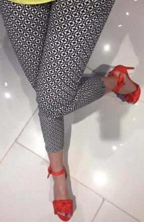 *Lola Fashion spodnie cygaretki wzór 10