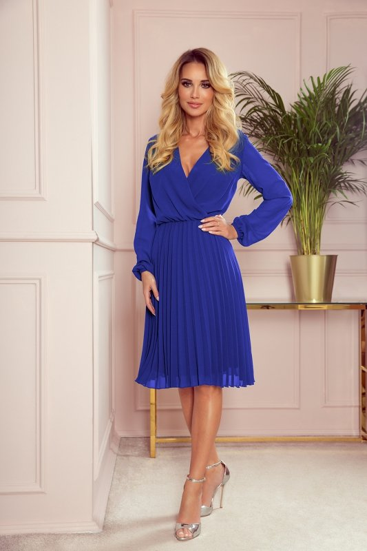 Elegancka sukienka z plisowaniem Numoco 313-3-1