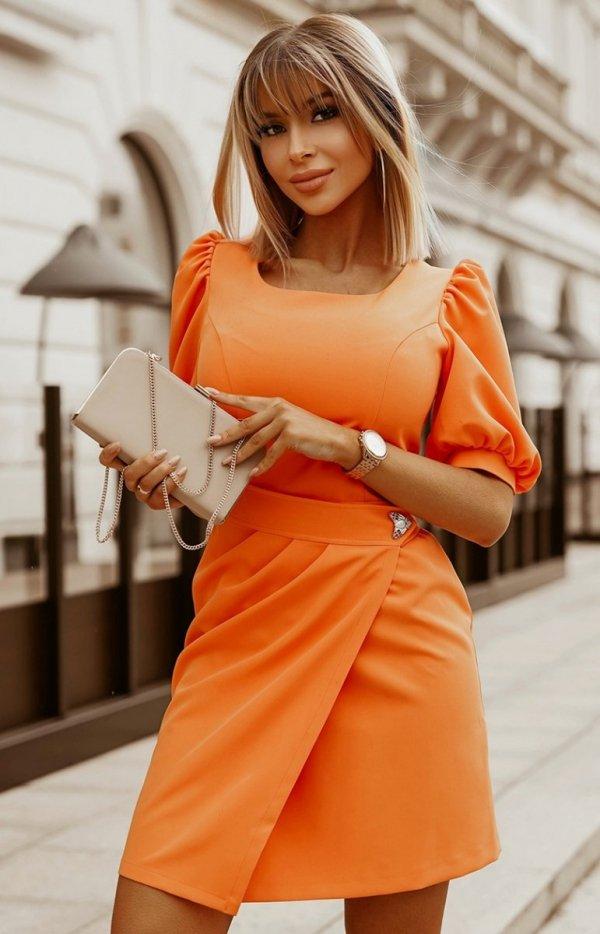 Bicotone sukienka wizytowa z broszką orange 2222-07