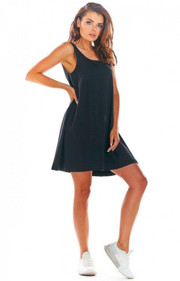 Luźna sukienka z dekoltem na plecach M204-1