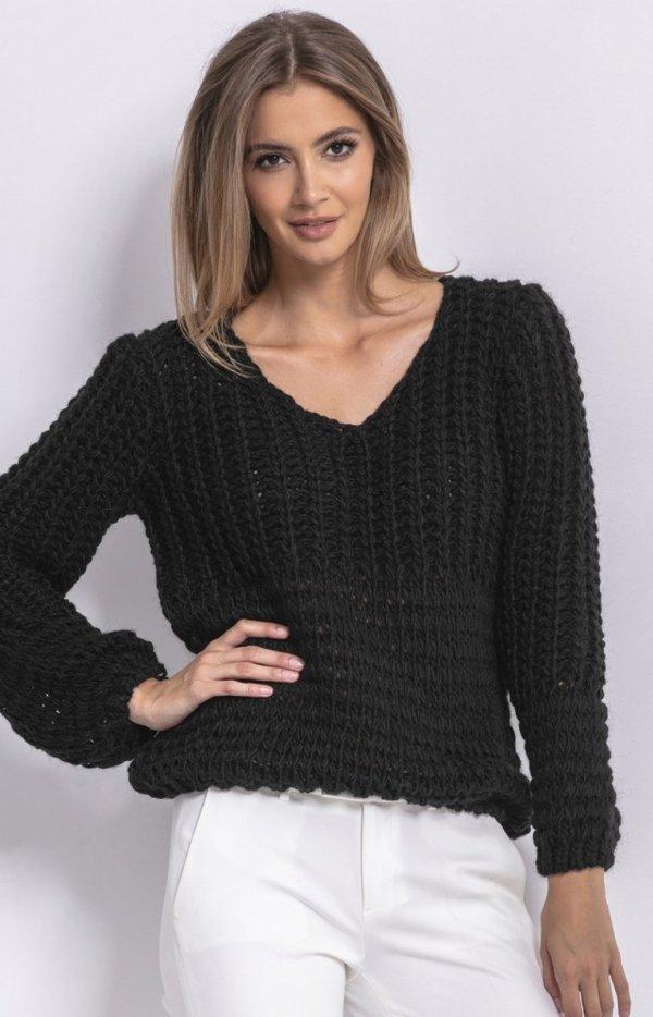 Oversizowy sweter z grubym splotem czarny F760