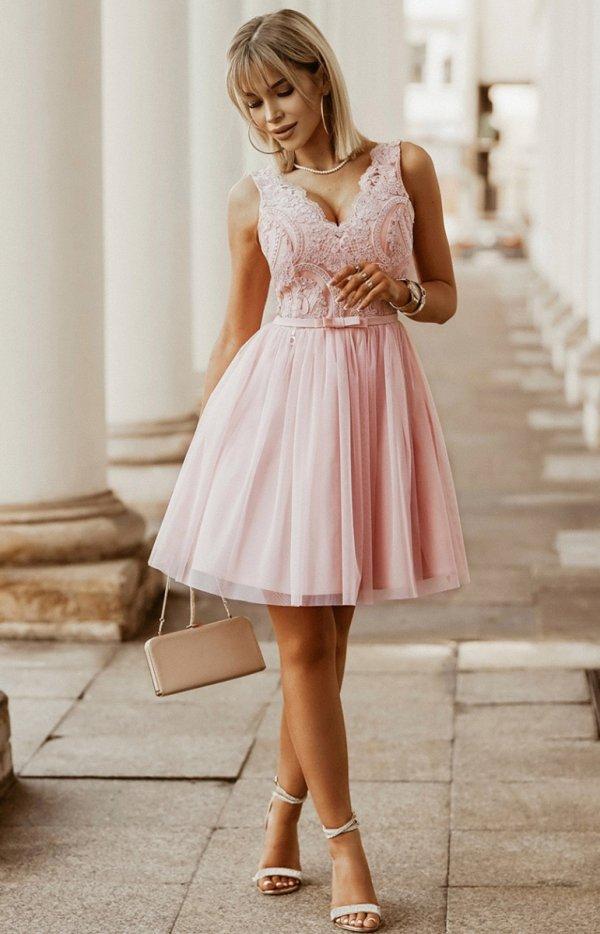 Rozkloszowana sukienka z koronką różowa Bicotone 2206-12-1