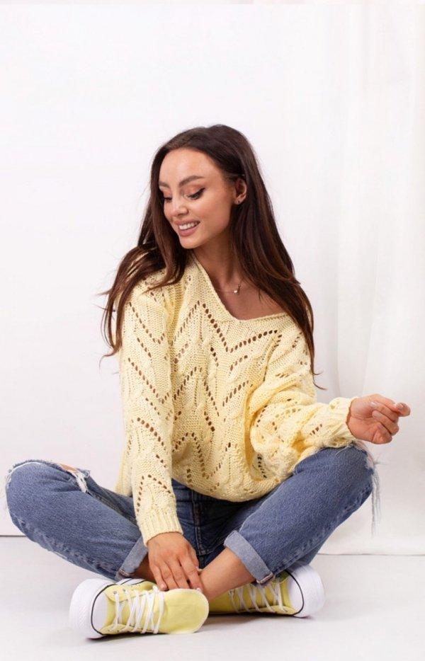 Ażurowy sweterek żółty LS319