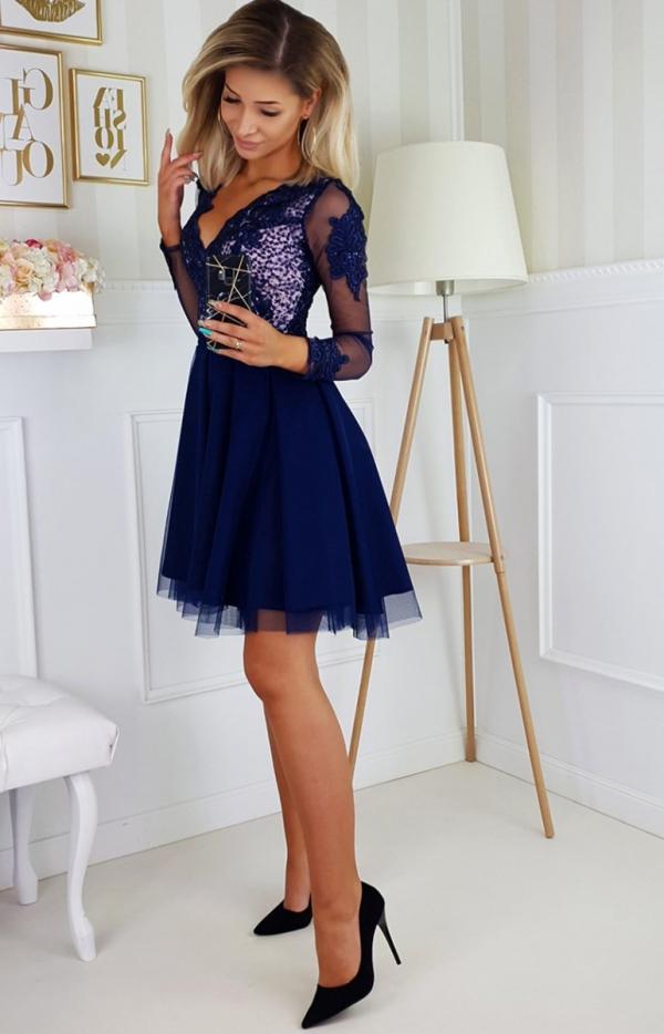 Granatowa sukienka wieczorowa z tiulem 2160-11-1