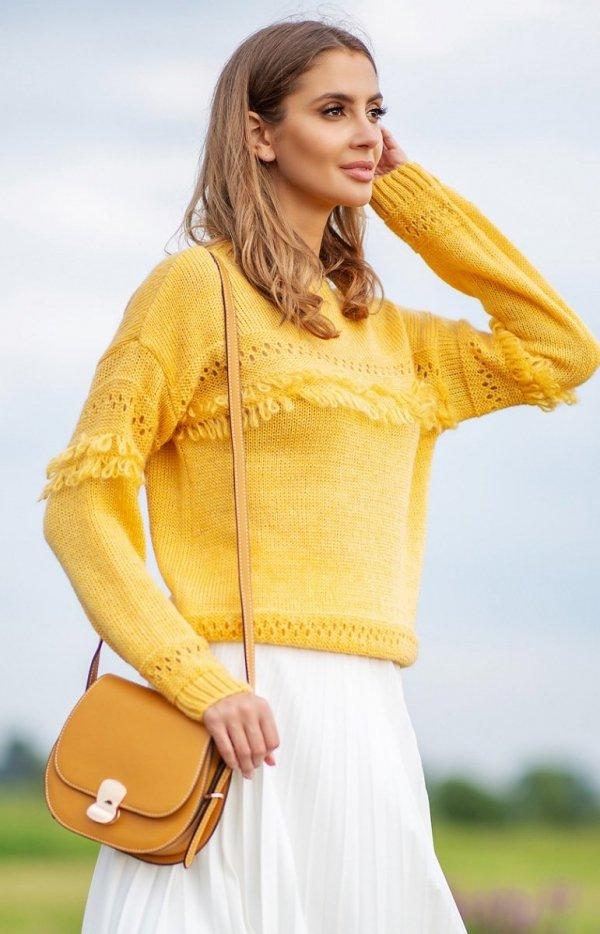 Sweter oversize z frędzlami musztardowy F745-1