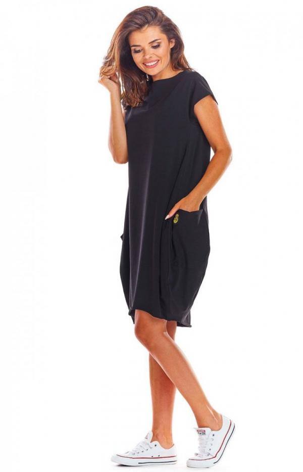 Sportowa sukienka z kieszeniami czarna M206-1