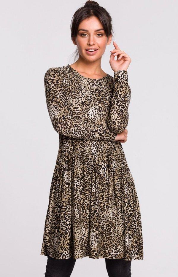 Dzianinowa sukienka w panterkę B136