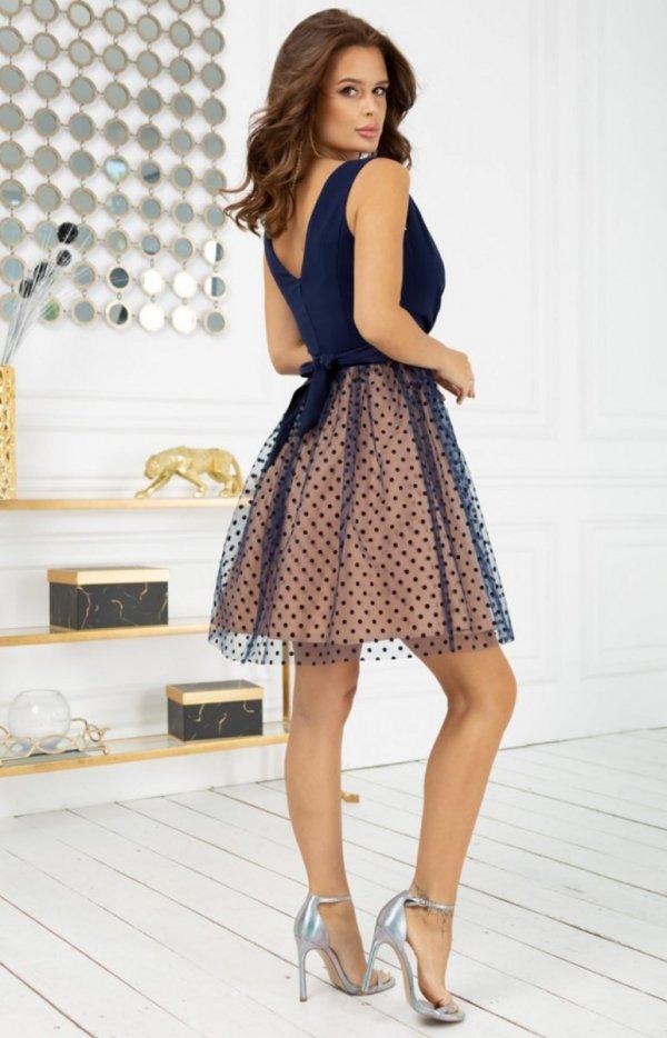 Rozkloszowana sukienka w groszki 2217-22 tył