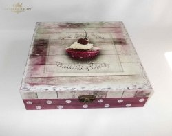 'Słodkie' pudełko -  praca Kalfetka Ltd. Węgry