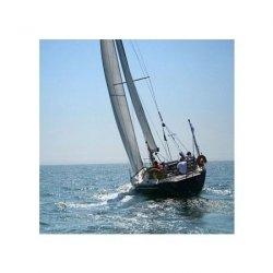 Wielki Jacht na niebieskim morzu - reprodukcja