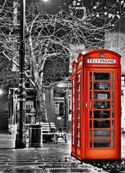 Fototapeta do przedpokoju - Czerwona budka telefoniczna - 183x254 cm
