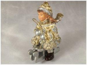 Ozdoba choinkowa - Dziecko z sankami - 9cm (6szt w opakowaniu)