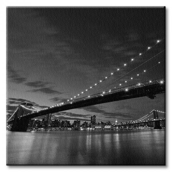 Obraz na płótnie - Brooklyn Bridge nocą BW - 40x40 cm