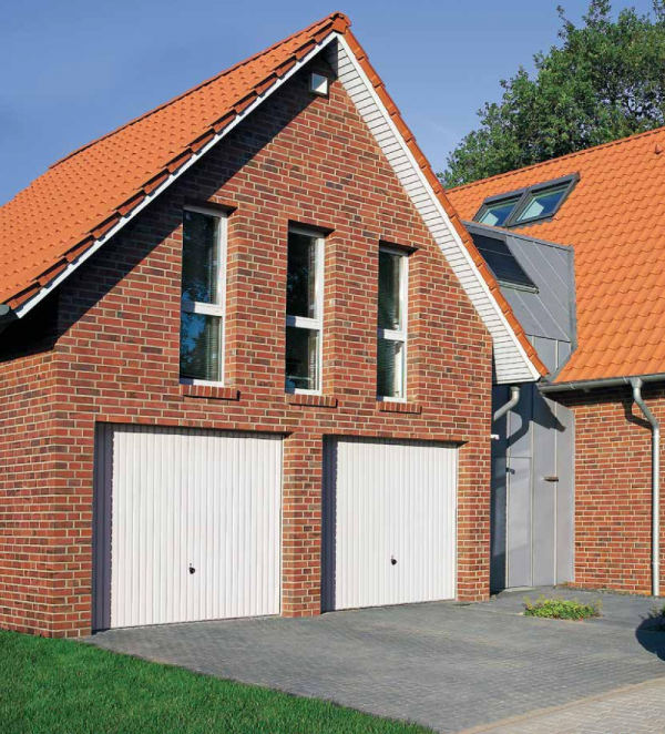 Brama uchylna N 80, 2500 x 2250, Wzór 904 Okrągłe profile Ø 12 mm, Odstęp 100 mm, kolor do wyboru