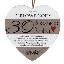Drewniana tabliczka w kształcie serca z napisem  30 rocznica ślubu...
