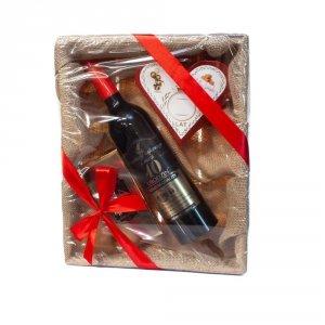Zestaw prezentowy na 40 urodziny w łubiance z jutą - akcesoria winiarskie, słodkie krówki w sercu, czekolada mleczna